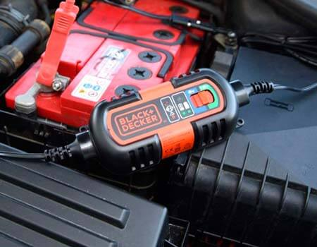 Cargadores de baterias de coche precios Black+Decker BDV090